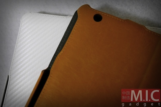 Another iPad 2 case leak: thinner, smaller, camera equipped iPad 2?