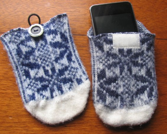 Knitting Pattern For Ipod Sock : Apple Odd Stuff: Don t mock the socks Macgasm