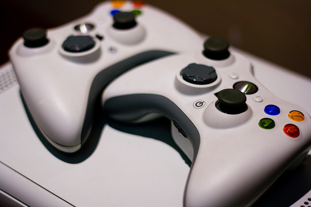 Microsoft To Directly Compete With Apple TV Using Xbox Branded Streaming Device?