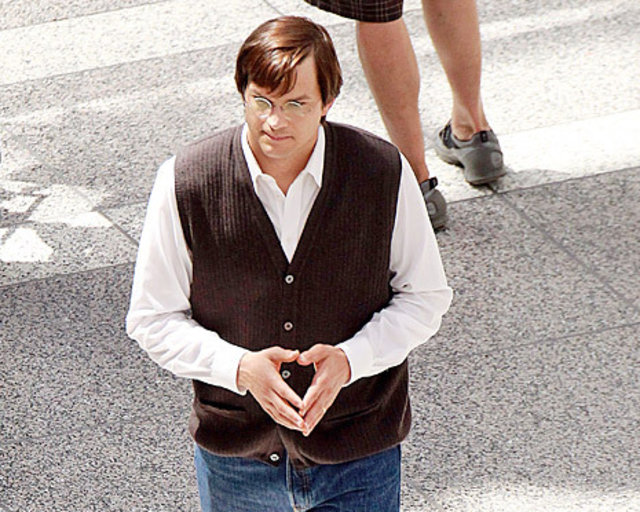 Ashton Kutchers Performance As Steve Jobs May Leave You Thinking Jobs Never Passed Away
