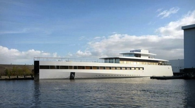 Steve Jobs Gigantic Yacht Reportedly Stuck In Harbor Due To Payment Disputes