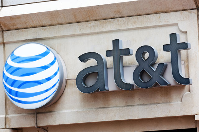 AT&T Announces Record Smartphone Sales In Q4 2012 Thanks To Apple And Android Devices