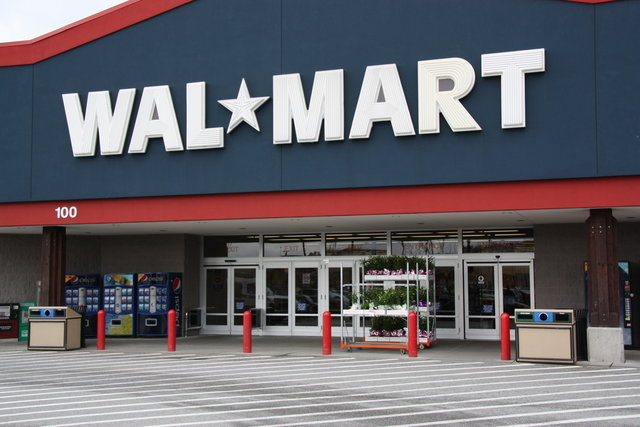 Walmart To Begin Selling No Contract, Financeable iPhone 5