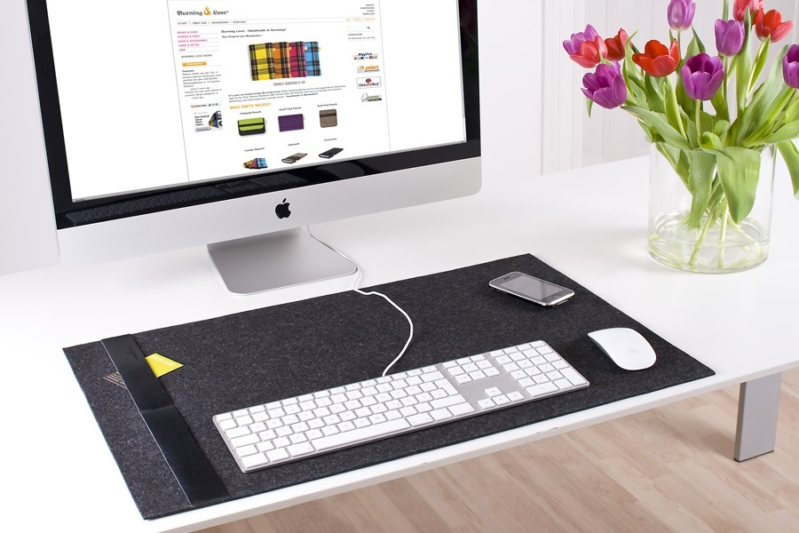 mac-desk-2