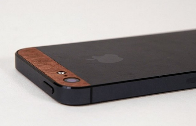 Give Your Iphone A New Look With These Wooden Panels